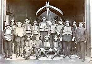 14-Lifeboat crew 1907